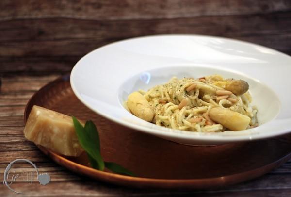 Ge-kocht: Spargelpesto mit Bärlauch